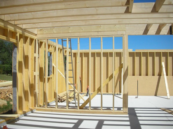 Mise en place de couverture vivonne en neuf et en r novation for Construction bois 86